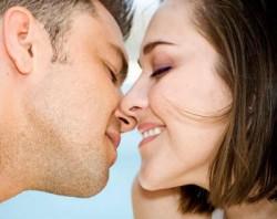 К чему снится поцелуй. Поцелуй в вашем сне. Узнайте к чему снится поцелуй по сонникам Миллера, Ванги, Фрейда и другим.