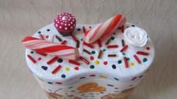 Праздничная коробочка для новогодних сладостей .