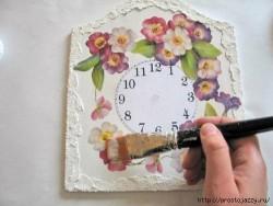 Нежные настенные часы своими руками -мастер класс.