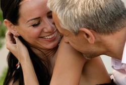 9 причин, почему мужчины ценят женщин, которым за сорок
